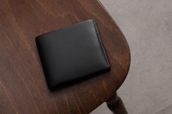 【革の折財布】丈夫&携帯性に優れた「折財布」特集!